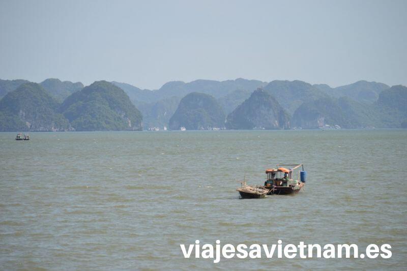 bahia-de-halong-dragones-barco