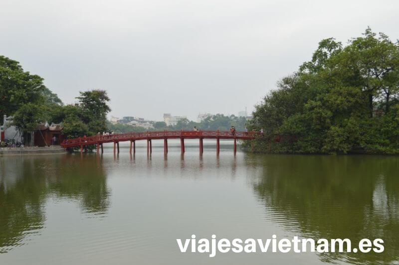 lago-hoan-kiem-puente-rojo