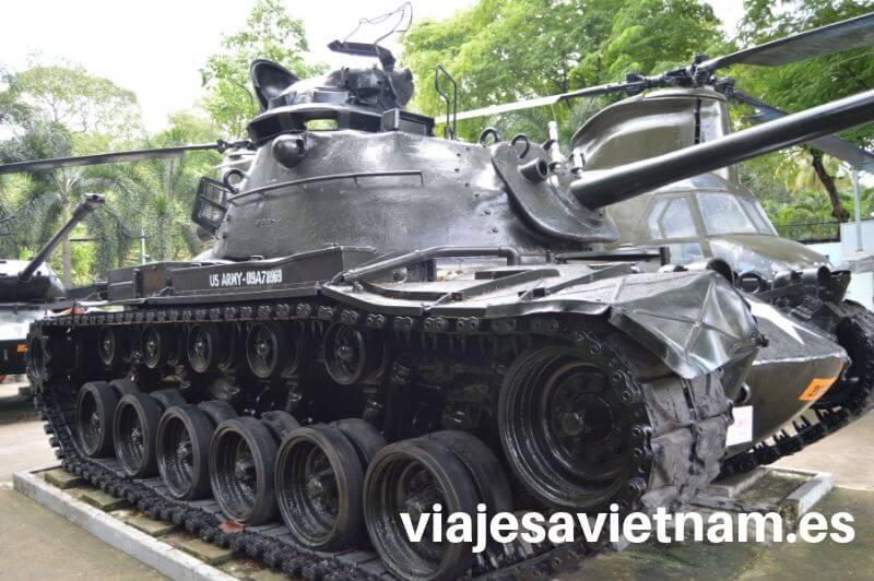 museo-vestigios-guerra-vietnam-tanque