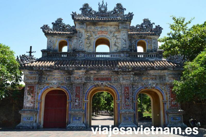 hue-puerta-tumba-imperial