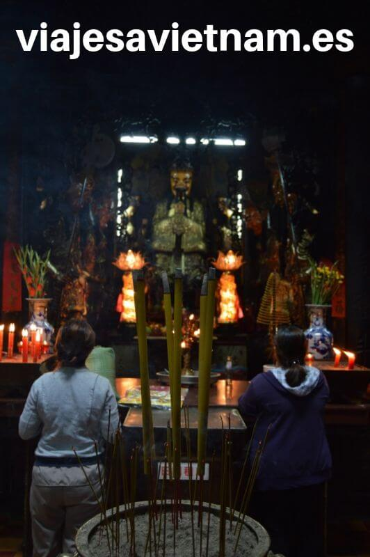 pagoda-del-emperador-de-jade-estatua