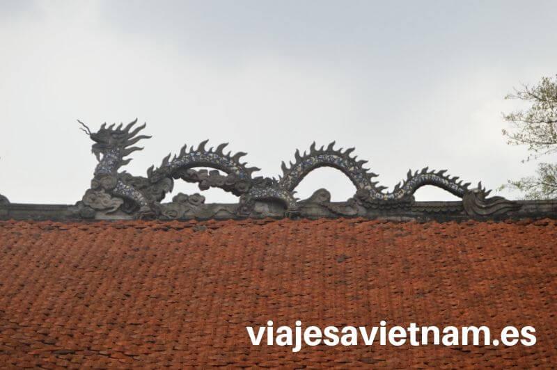 viajes-a-vietnam-tejado-dragon